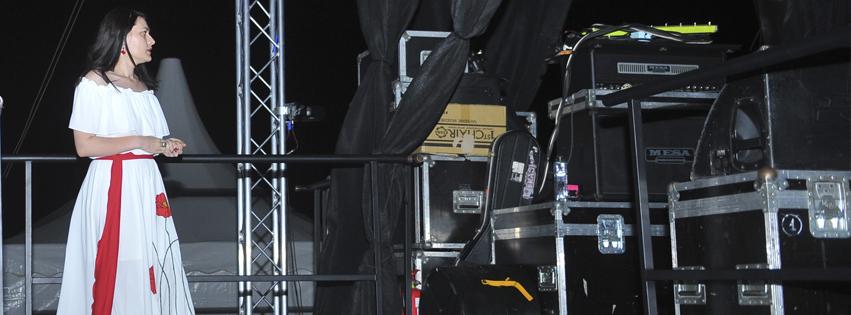 alina-manole-backstage