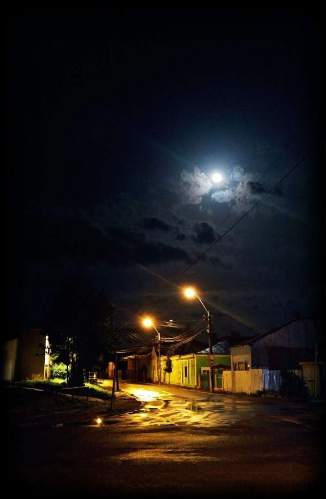 Luna de la fereastra